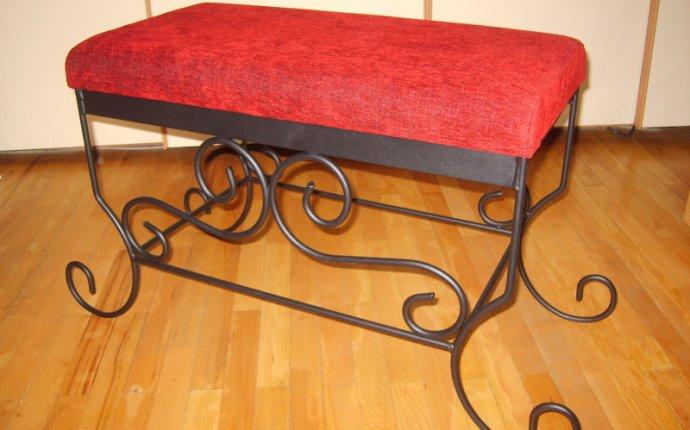 Банкетка, стулья на металлической кованой основе Продаю новую