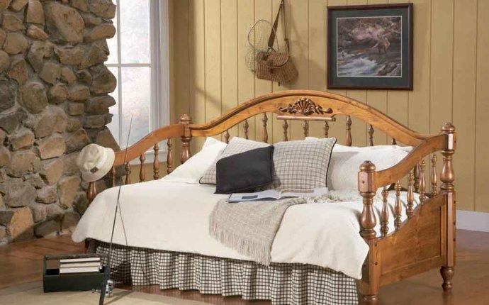 Купить кровать. Кровати из массива, кованые. Мебель Малайзии и