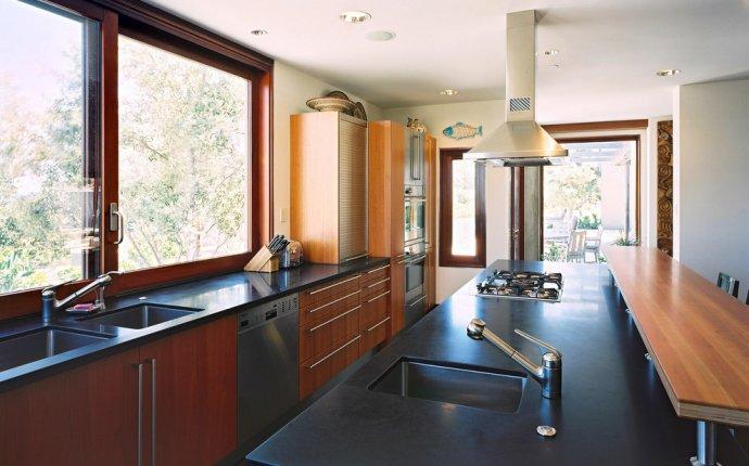 Расстановка мебели на кухне вытянутой формы